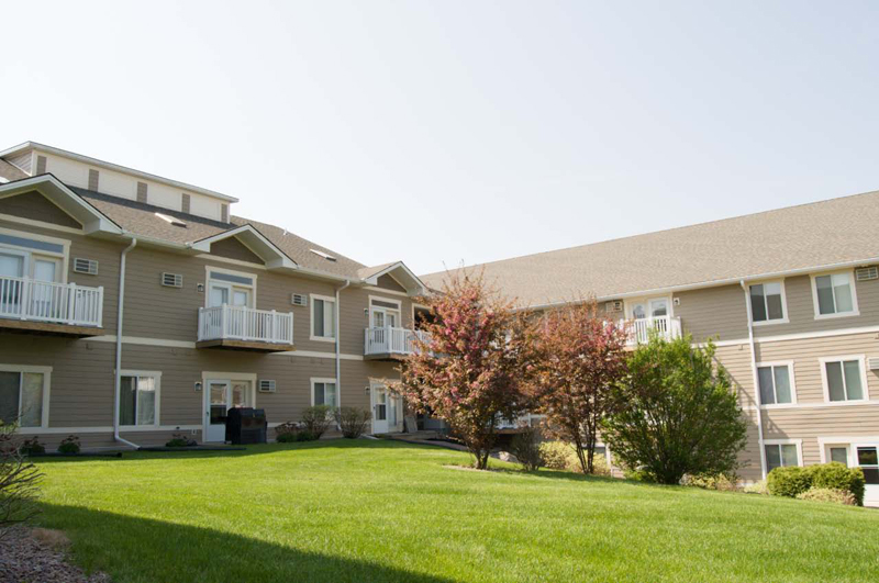 Woodsview apartments hovde properties - Exterior house washing madison wi ...